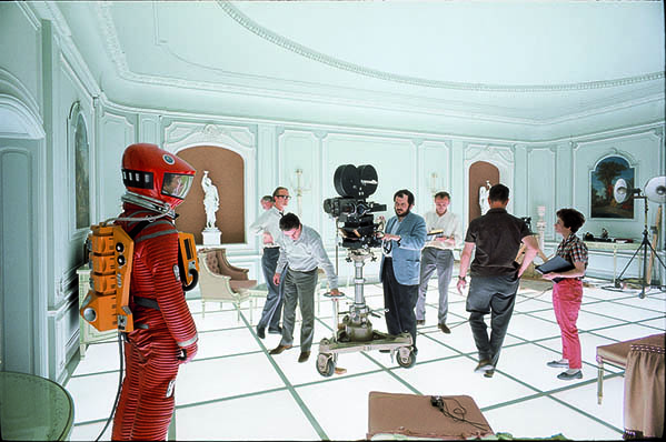 2001-A-Space-Odyssey-set-courtesy-and-copyright-Warner-Bros-and-the-Kubrick-Archive_-smallfinal